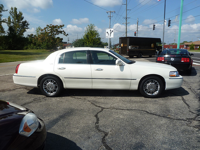 Krug Auto Sales :: 2007 Lincoln Town Car Signature Limited